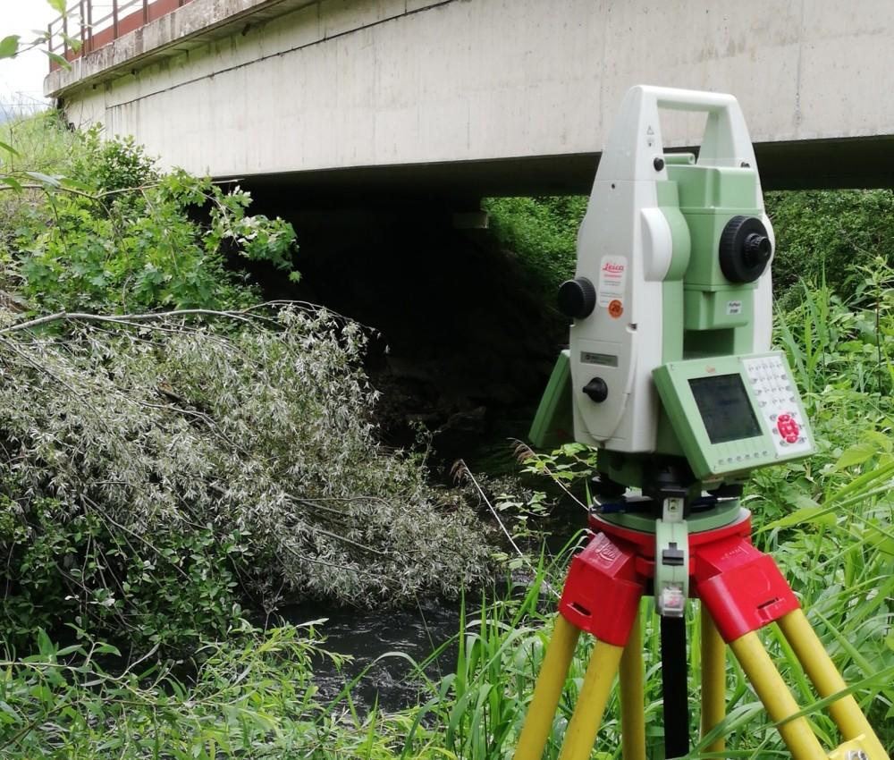 Foto Scanner bei Brücke