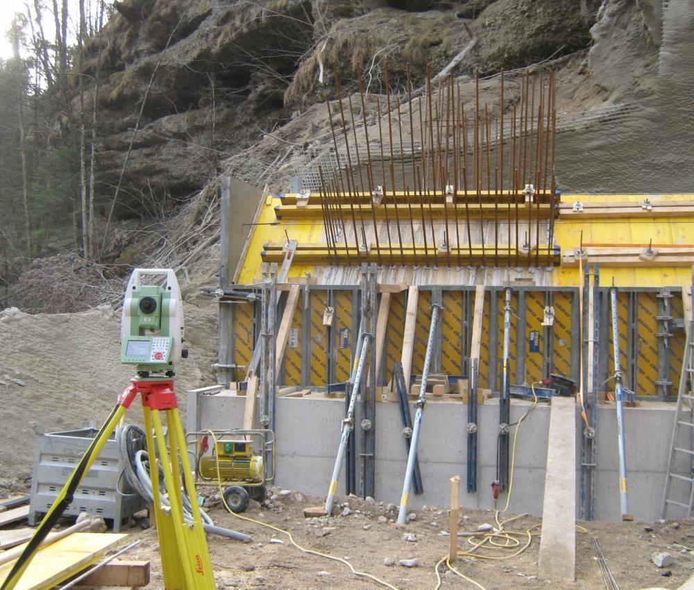 Messinstrument auf Baustelle