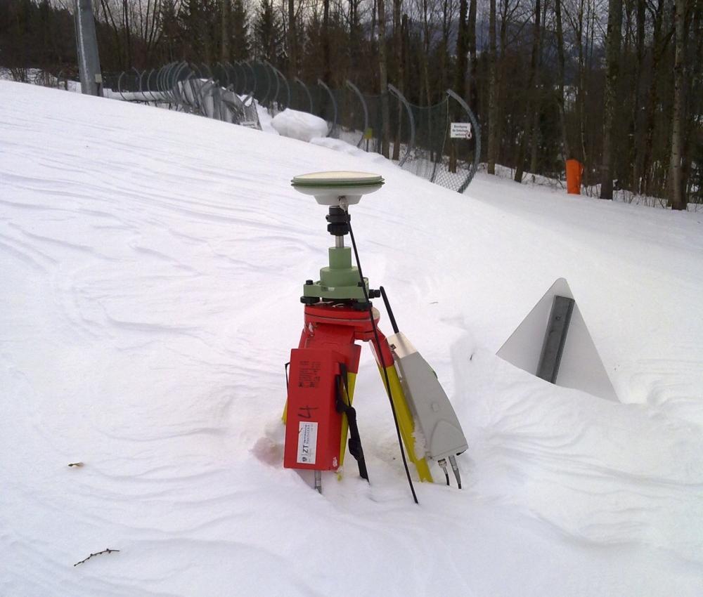 Foto eines Instruments im Schnee